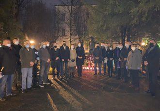 Gospićki HDZ-ovci odali počast dr.Franji Tuđmanu povodom 21.godišnjice njegove smrti