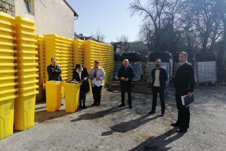Primopredaja spremnika za odvojeno prikupljanje otpada na kućnom pragu