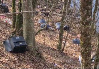 Divlji deponiji otpada uz rijeku Liku!