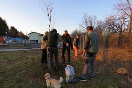 LIJEPO: Volonteri Ličke ekološke akcije uključili se u nacionalnu akciju sadnje stabala