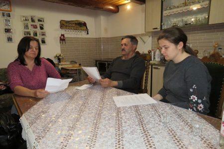 """LIJEPO: Mlada Gospićanka Lucija Došen osnovala udrugu za očuvanje tradicijske kulture i običaja """"Lički divani""""!"""