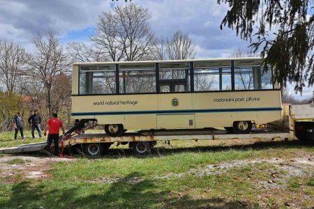 POHVALNO: Nacionalni park Plitvička Jezera Parku prirode Velebit donirao turistički vlak
