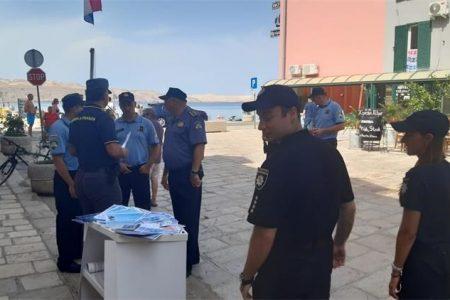 U Karlobagu zajedničke aktivnosti domaćih i stranih policijskih službenika za sigurnost u turizmu