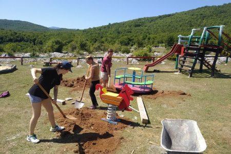 Dječje igralište na Grabovači obogaćeno novim spravama