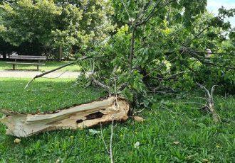 Jak vjetar napravio manje štete i u Gospiću