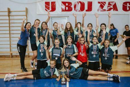Rukometašice Gospića dominirale na turniru Mali medo, osvojile zlato i broncu- Sara Vukelić najbolja igračica, a Anja Rukavina najbolji strijelac