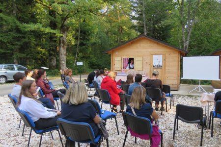 Strukovna škola Gospić u parku Jasikovac obilježila Svjetski dan turizma