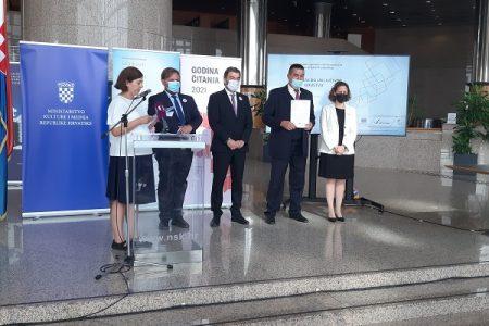 Samostalna narodna knjižnica Gospić dobiva prvi bibliobus!